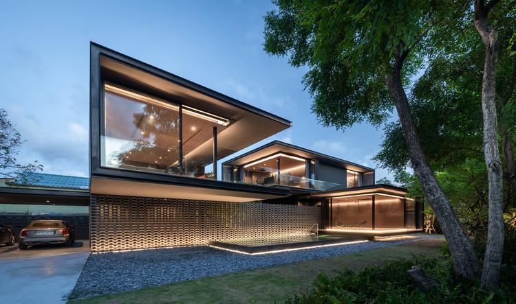 V60 House / WARchitect, © Rungkit Charoenwat