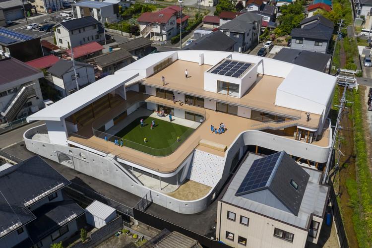 01 BIRD'S-EYE VIEW / huge playground architecture. Image © Shigeo Ogawa