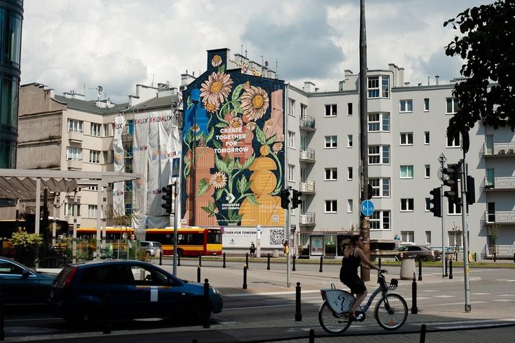 Mural em Varsóvia feito com tinta especial purifica o ar como 720 árvores, Imagem © Good Looking Studio
