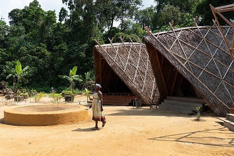 Vila projetada segundo princípios de bioconstrução está sendo erguida em Camarões, © WarkaWater, via CicloVivo