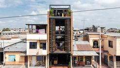 Bardales gimnasio urbano / Natura Futura Arquitectura
