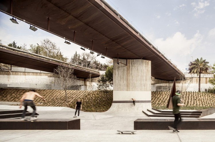 Kickflips & Curb Cuts: New Skate Parks Shaping Urban Design, © Adrià Goula