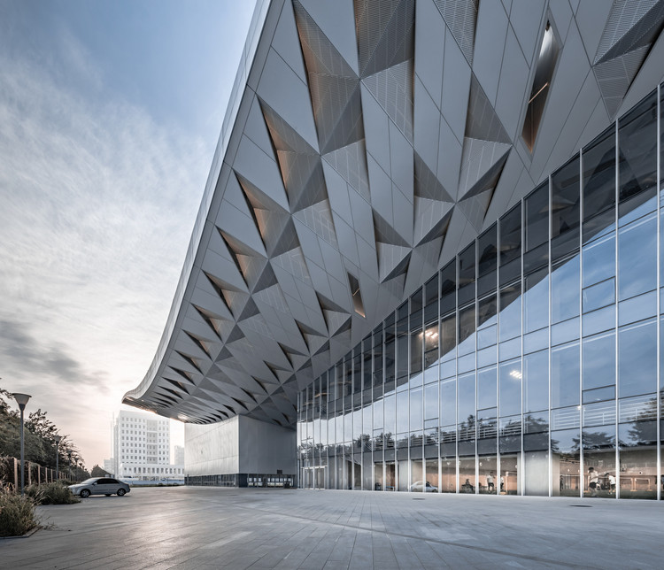 BIT Sports Center / Atelier Alter Architects, Courtesy of Atelier Alter Architects