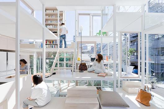 Casa NA / Sou Fujimoto Architects. Image © Iwan Baan