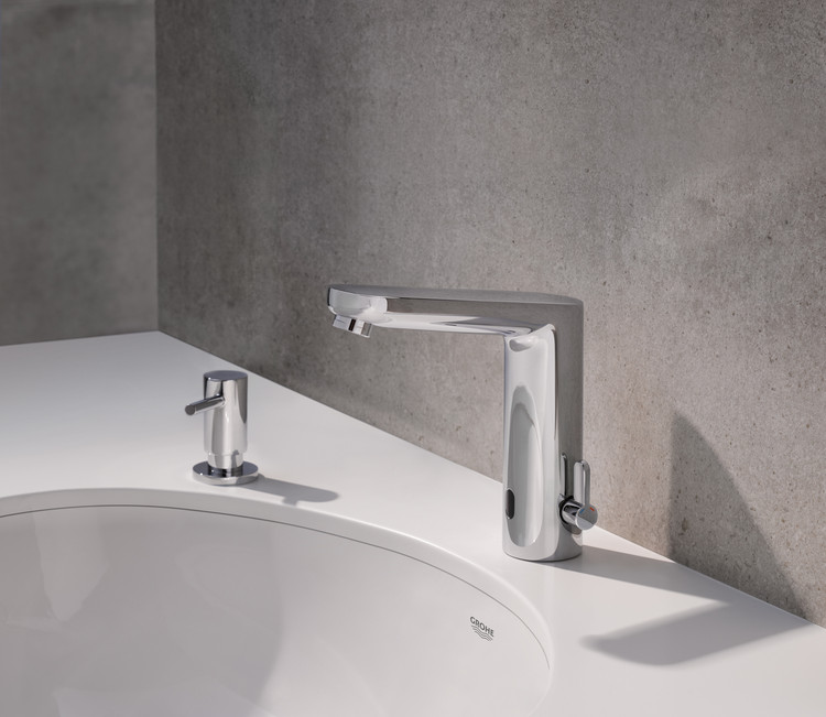 Whether Eurosmart, Eurocube E or Essence E – as a standalone or wall-mounted unit, GROHE's collections combine high quality and modern technology in all styles. For selected models, this can also be controlled via app