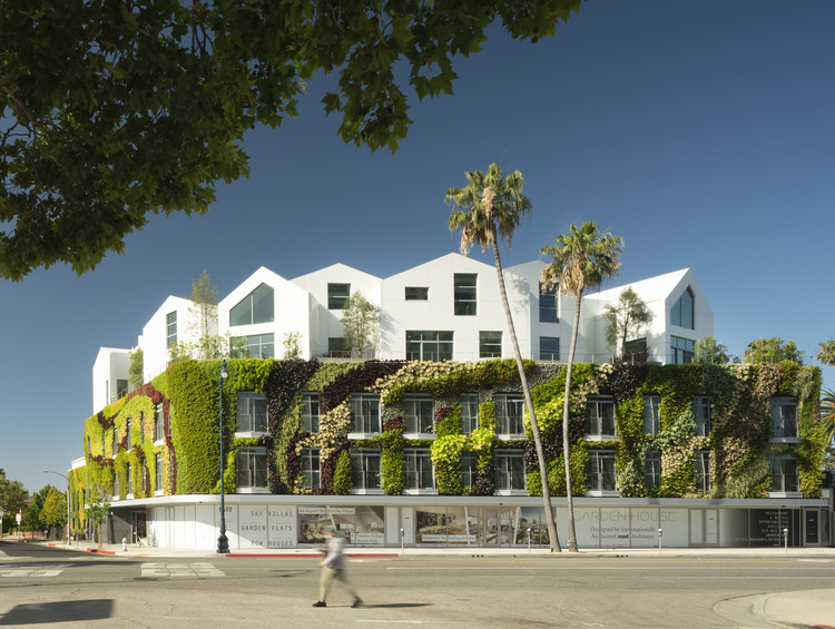Complejo residencial Gardenhouse / MAD Architects, © Nic Lehoux
