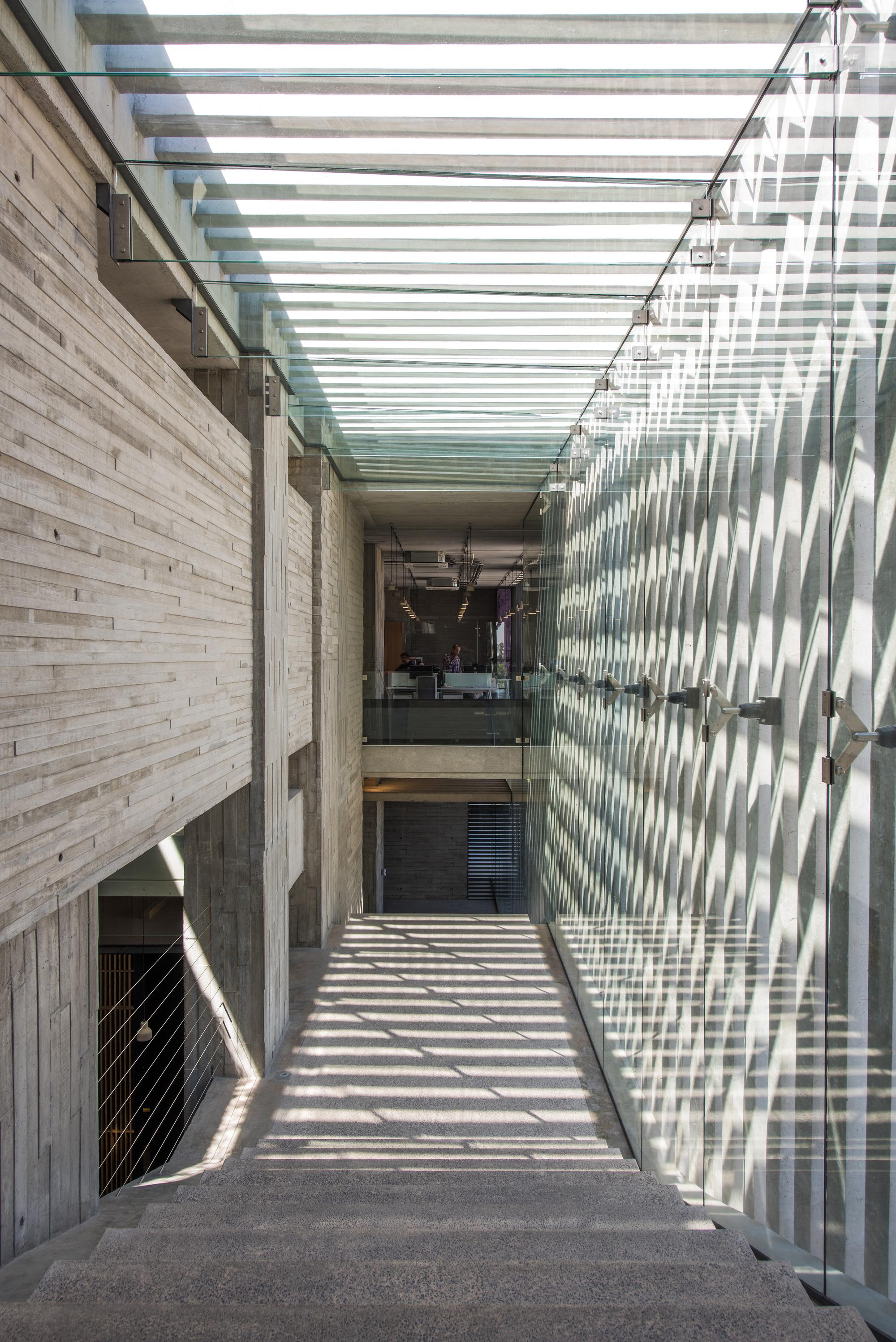 Galería de Corporativo Anteus Constructora / Ricardo Yslas Gámez  Arquitectos - 6