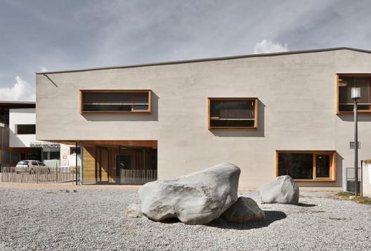 Kindergarten Sluderno / Roland Baldi Architects