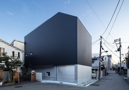 House in Higashisumiyoshi / Horibe Associates