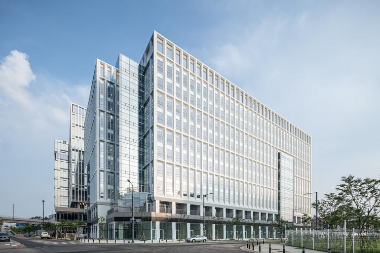 Pyeongtaek Godeok Knowledge Industrial Center / SEON Architecture & Engineering Group, © Bae Jihoon