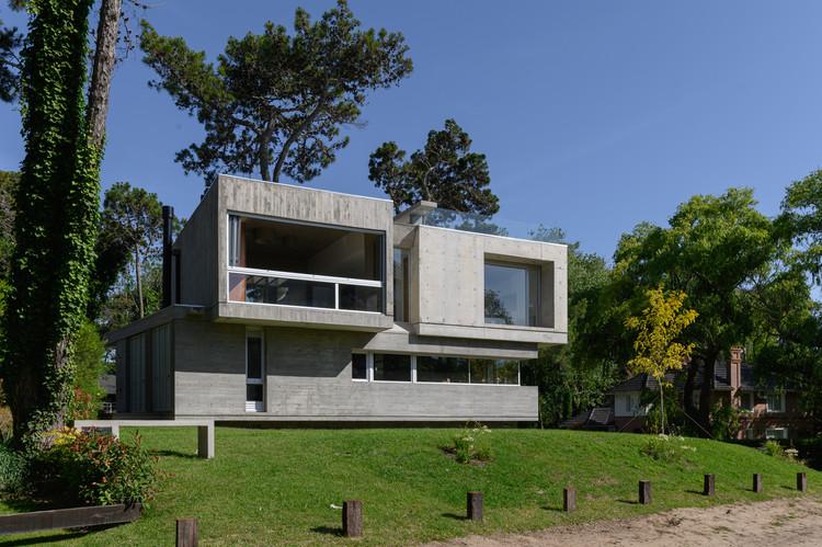 Casa Jacarandá / Estudio Galera, © Diego Medina
