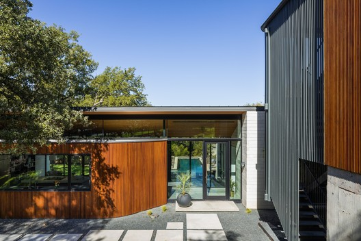 M1700 House / RAVEL Architecture