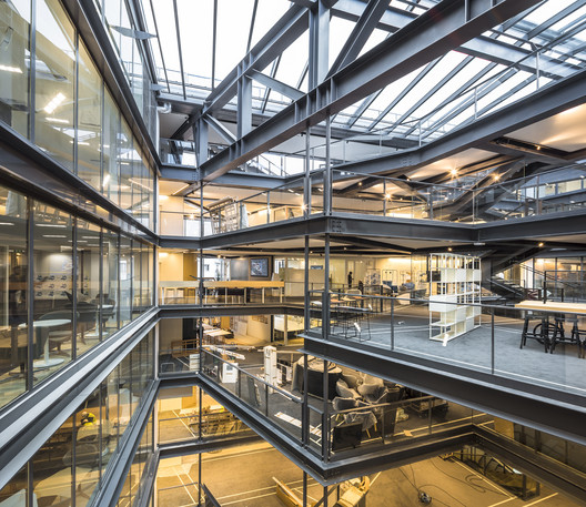 Refurbishment of the Shift Building in Paris / Arte Charpentier Architectes