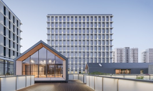 Edificios de oficinas de Zhangrun / Scenic Architecture Office