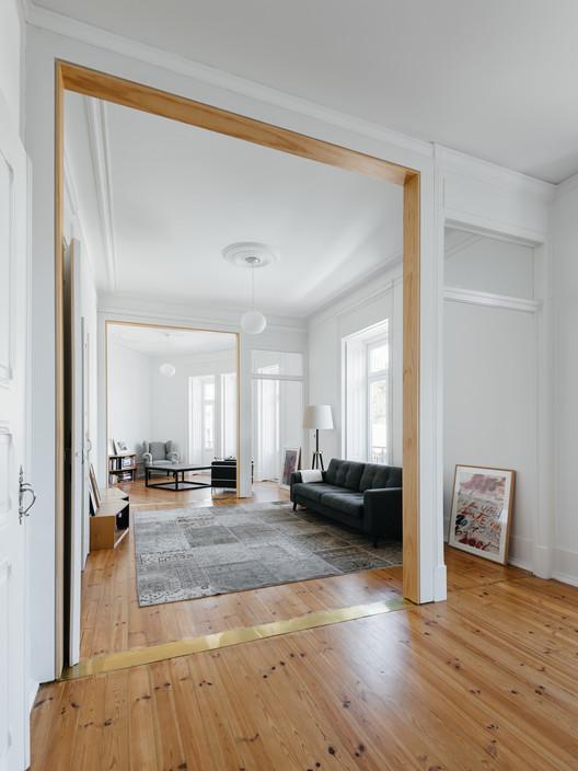 Apartamento na Estrela / Aurora Arquitectos