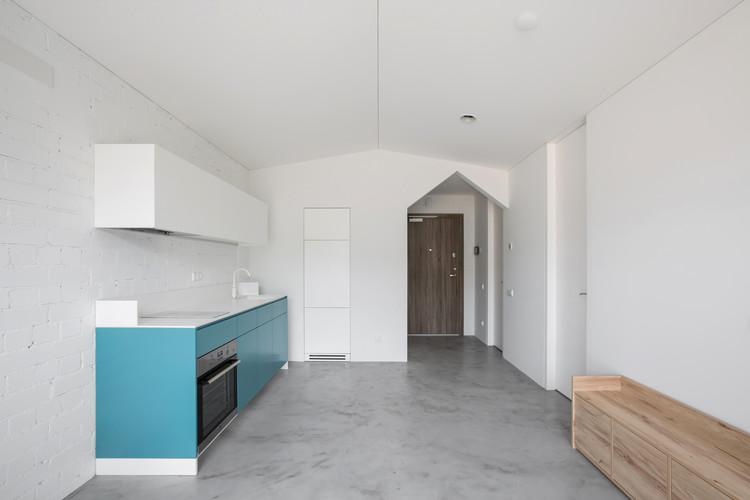 Mr. Sloping Apartment  / YCL Studio, © Andrius Stepankevičius