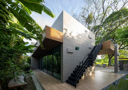 Phutthamonthon-Y House / Archimontage Design Fields Sophisticated