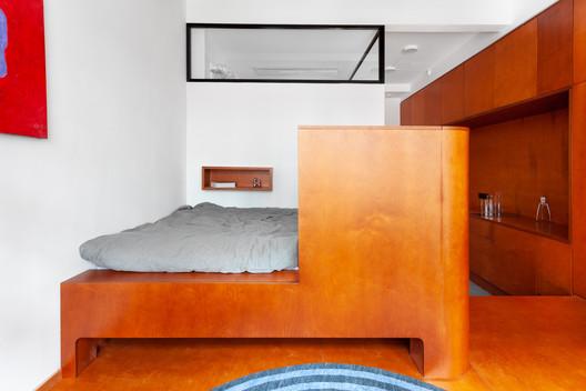 Commune Apartment / roomdesignburo