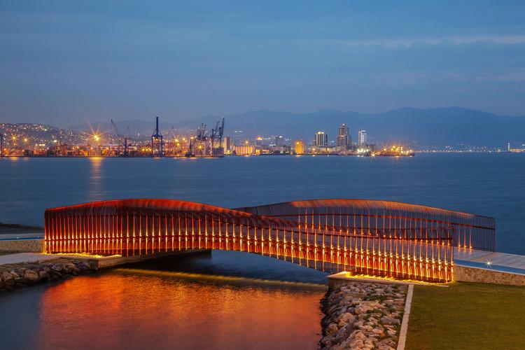 Puente peatonal costero de Bayraklı / Notarchitects + Notmimarlik, © ZM Yasa Architectural Photography