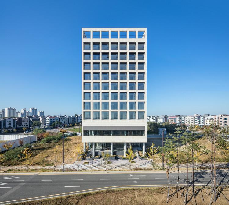 Verdepia Officetel / Kode Architects + SML + The Cornerz, © Kyung-sub Shin