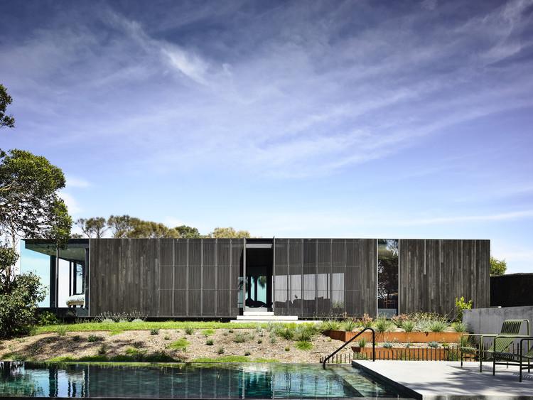 Bluff House / Rob Kennon Architects, © Derek Swalwell