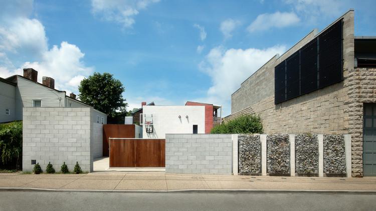 South Side Courtyard House Pool Pavilion & Landscape / studio d'ARC, © Alexander Denmarsh
