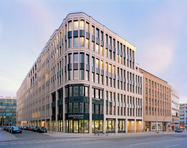 Freshfields Office Building / caspar., © Stefan Schilling