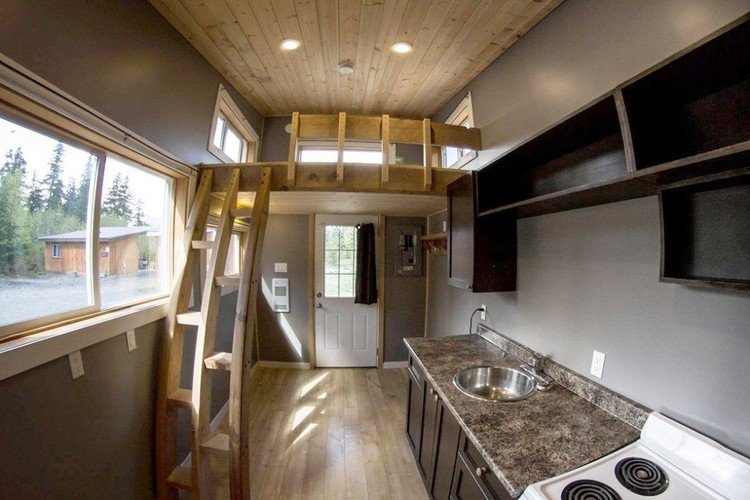 <a href='https://tinyhouseblog.com/'> via Tiny House Blog</a>