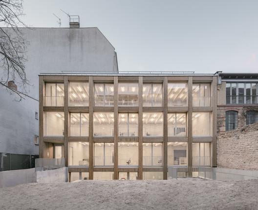 Remise Immanuelkirchstrasse Workspace / JWA Berlin + Ralf Wilkening Architect