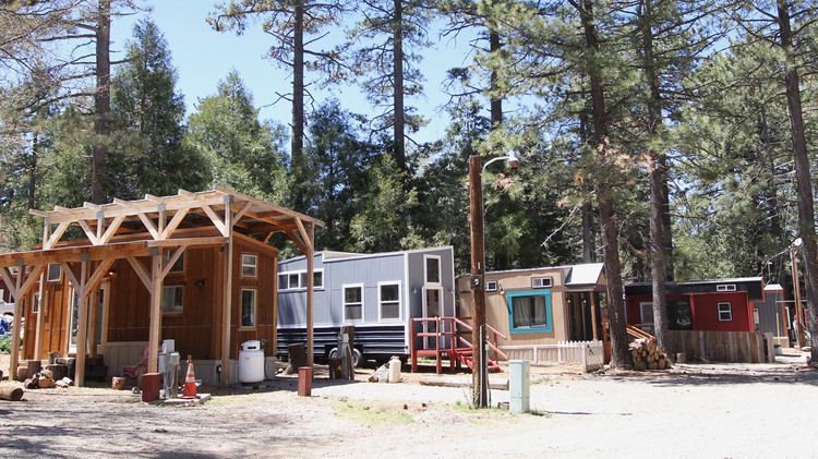 <a href='https://tinyhouseblock.com/'>© Tiny House Block</a>