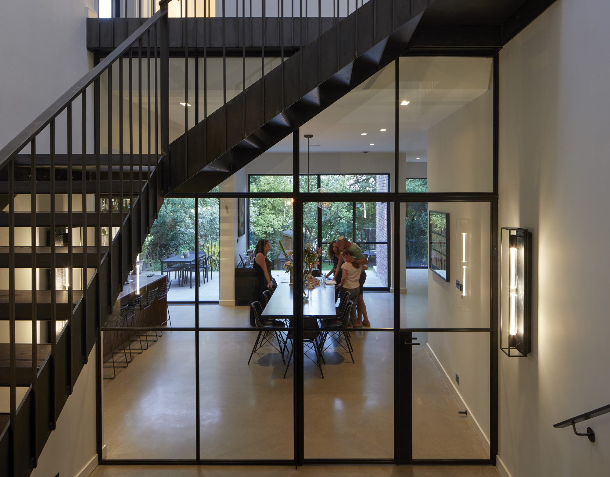 Mill Hill House / RISE Design Studio