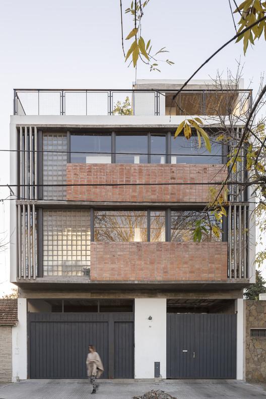 Casa 47 / Reimers Risso Arquitectura, © Fernando Schapochnik