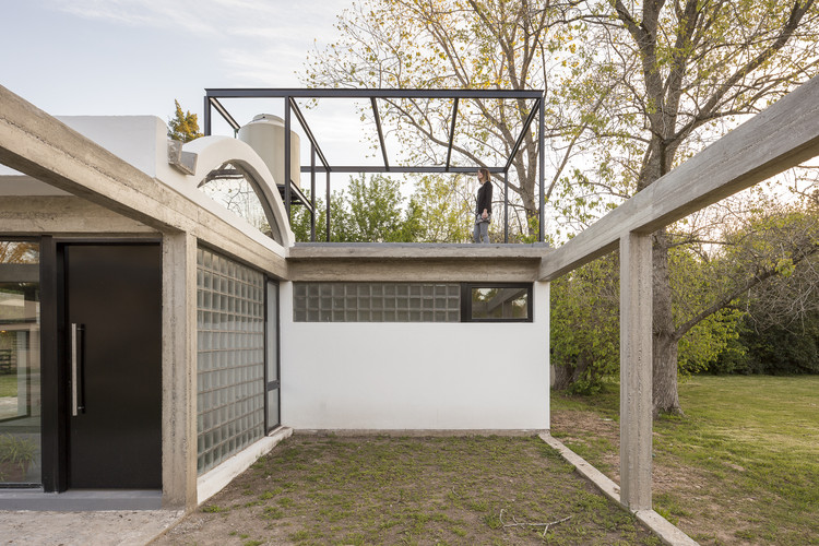 Casa Virginia / Reimers Risso Arquitectura, © Fernando Schapochnik