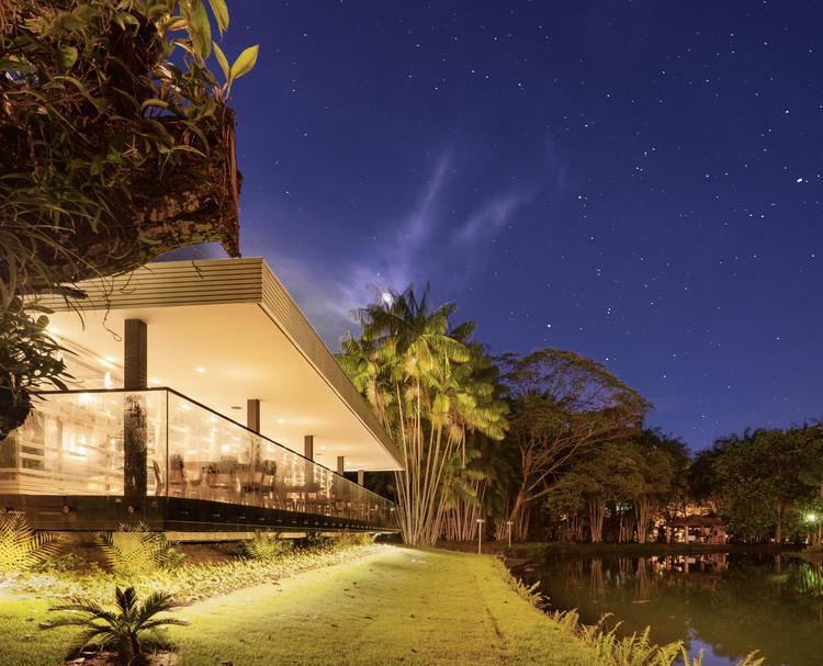 Salão de Festas sobre o lago / LIVRE arquitetura, © Gabriel SAP