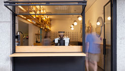 Tost Coffee Shop / Gabriel Castro MOBIO