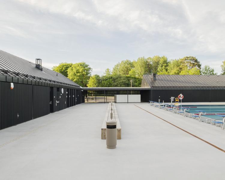 Järvabadet Swimming Pool Pavilion  / AIX Arkitekter, © Mikael Olsson