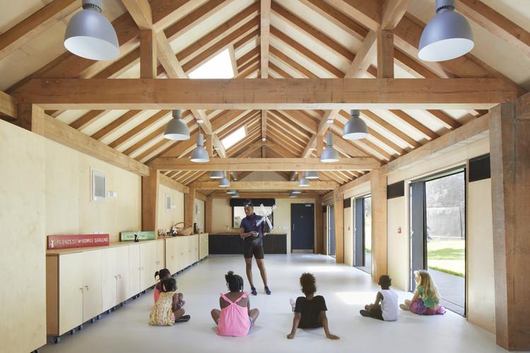 Brixton Windmill Education & Community Center / Squire & Partners, © Jack Hobhouse