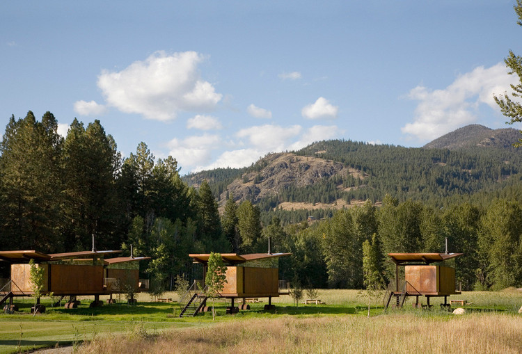 Rolling Huts / Olson Kundig. Image: © Chad Kirkpatrick / Olson Kundig