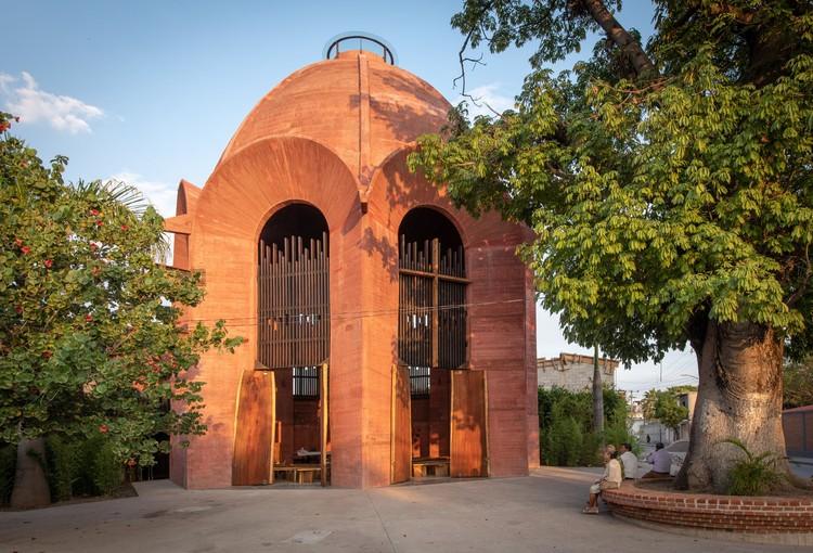 Capilla de la Santa Cruz / Taller de Arquitectura X / Alberto Kalach + Roberto Silva, © Jaime Navarro