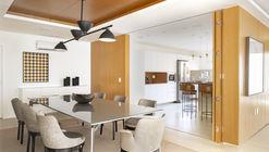 Casa 051 / Guel Arquitetos