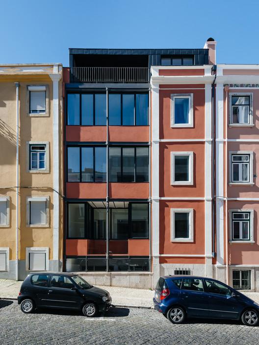 Building at Conde Redondo in Lisbon / Luisa Bebiano Arquitectura