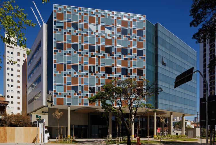 Hospital Albert Einstein - Unidade Avançada Perdizes / Levisky Arquitetos | Estratégia Urbana , © Nelson Kon