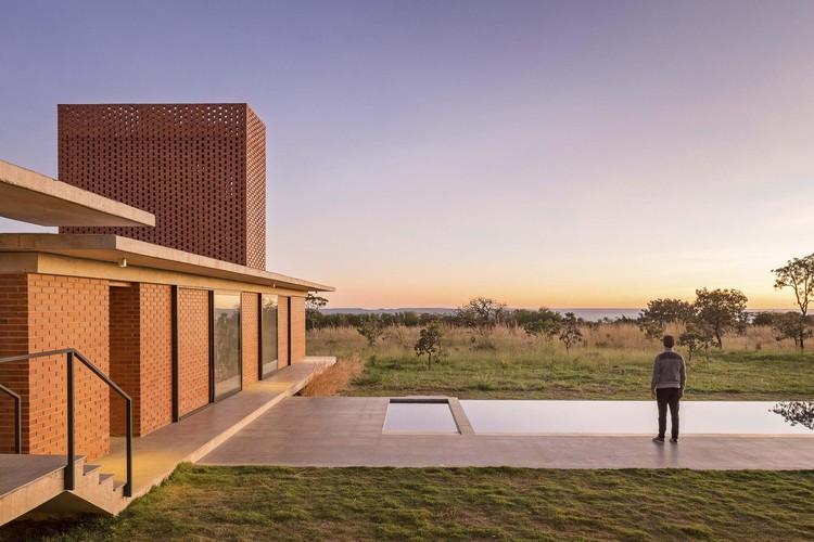 Paisagens brasileiras: 10 projetos de arquitetura para conhecer o Cerrado, © Haruo Mikami