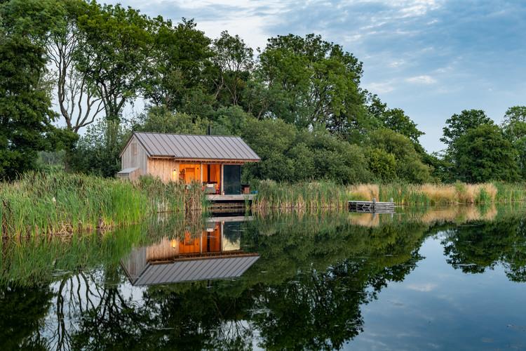 Cabana do Lago / RX Architects, © Ashley Gendek