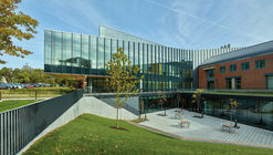 Webster University, Browning Hall Interdisciplinary Science Building / CannonDesign