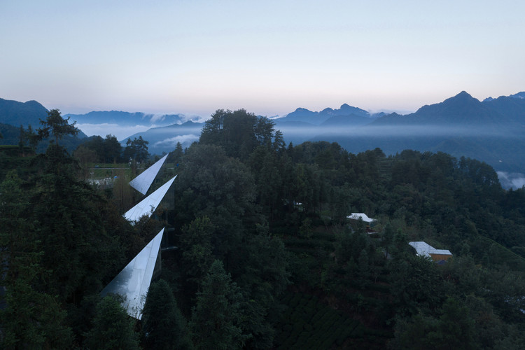 Mountain&Cloud Cabins / Wiki World + Advanced Architecture Lab[AaL], Arial view. Image © Arch-Exist