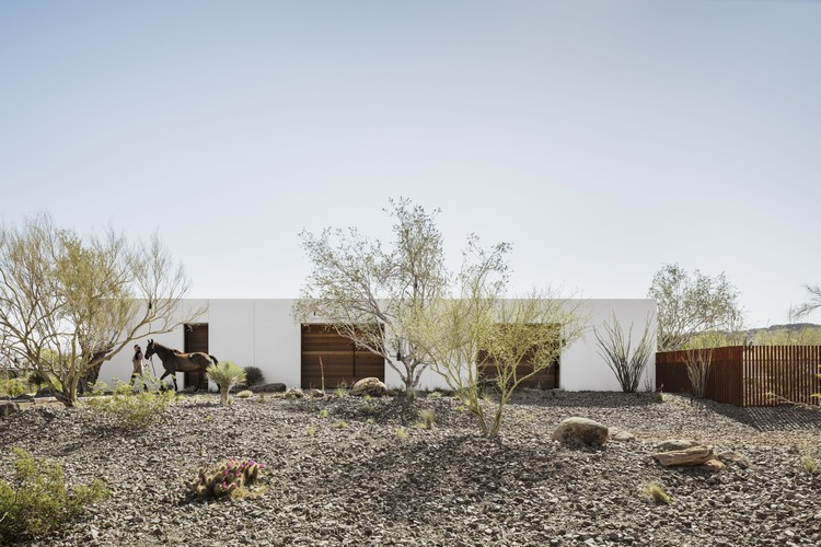 O-asis House / The Ranch Mine, © Roehner + Ryan