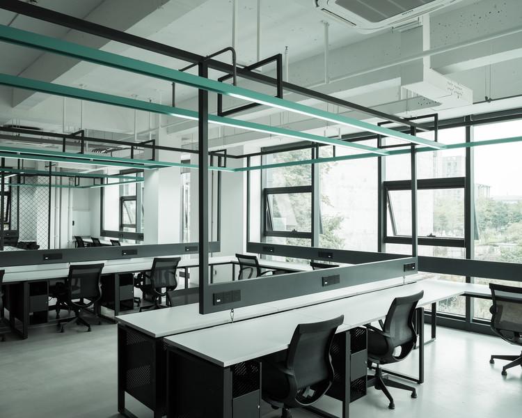 Open office. Image © Haiting Sun