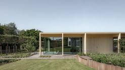 Circular Garden Pavilion  / EVA