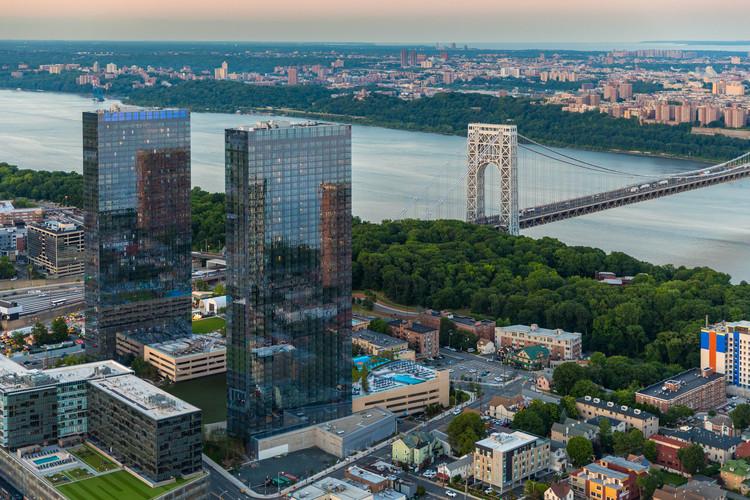 The Modern Residential Towers / Elkus Manfredi Architects, © Evan Joseph